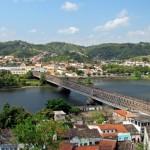 Ponte sobre o Rio Paraguassu, entre as cidades de Cachoeira e São Félix/ BA