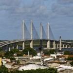Ponte que liga Aracaju a Barra dos Coqueiros / SE