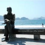 Estátua do poeta Carlos Drummond de Andrade em Copacabana - Rio de Janeiro/ RJ