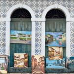 Fachada de casarão coberta de azulejos históricos - São Luís/ MA
