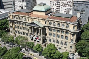Onde fica a Biblioteca Nacional do Brasil?